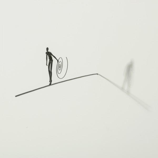 Max Hoffmann: Figur mit Spirale auf Stab